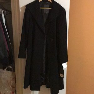 Vera Wang stylish black peacoat